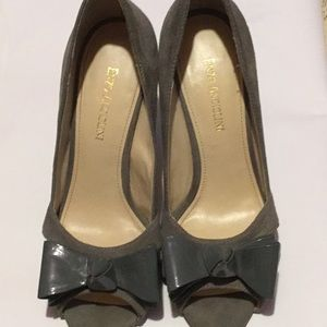 Enzo Anguiolini gray suede shoes with patent bow.